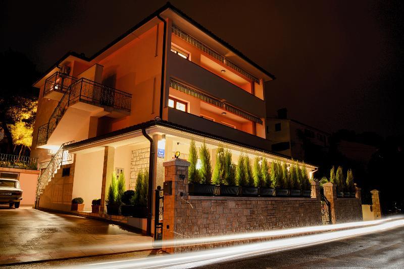 Villa Amalija by night - Villa Amalija 3 enjoy on terrace with sea view - Pula - rentals