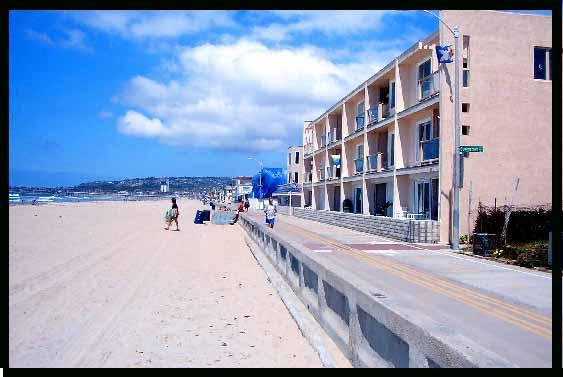 Mission Beach and condo building. - Sunset Sands Ocean Front Vacation Rental - San Diego - rentals