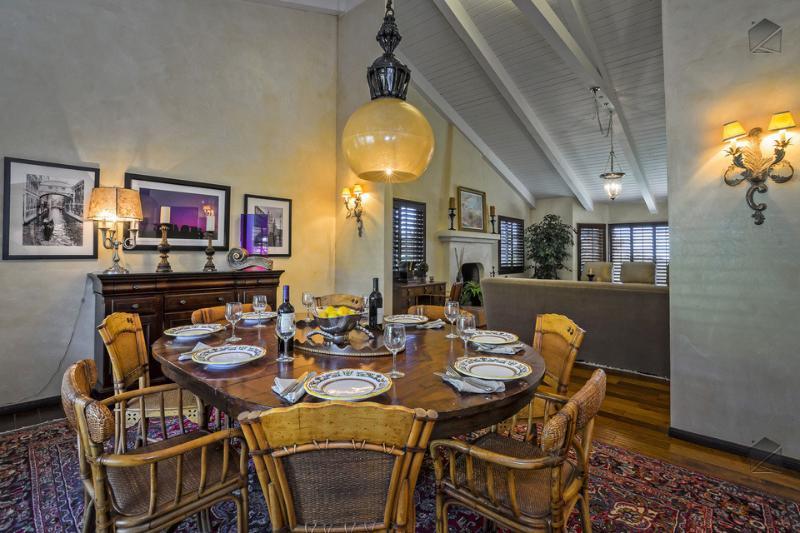 Sprawling estate with 4 bedrooms in Carpinteria - Toro Canyon Hacienda - Image 1 - Carpinteria - rentals