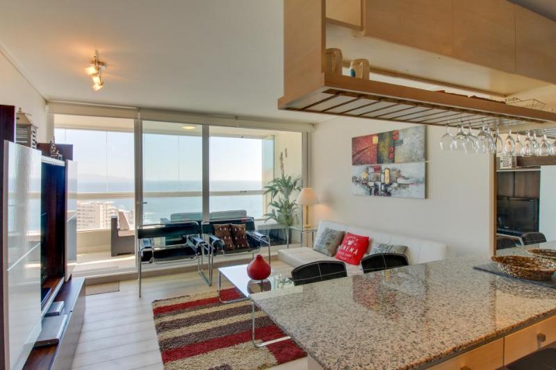 Modern condo w/ sweeping ocean views, a shared pool, & more! - Image 1 - Vina del Mar - rentals