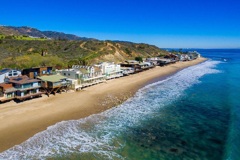 Malibu Road Oceanfront, Sleeps 10 - Image 1 - Malibu - rentals
