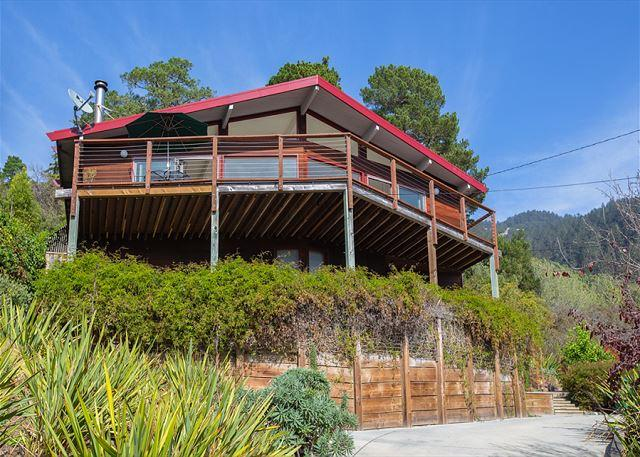 Cozy two bedroom home with expansive ocean views - Image 1 - Hohwacht - rentals