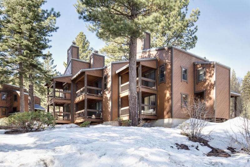Northstar condo with 2 balconies, a free shuttle, and hot tub & pool access! - Image 1 - Truckee - rentals