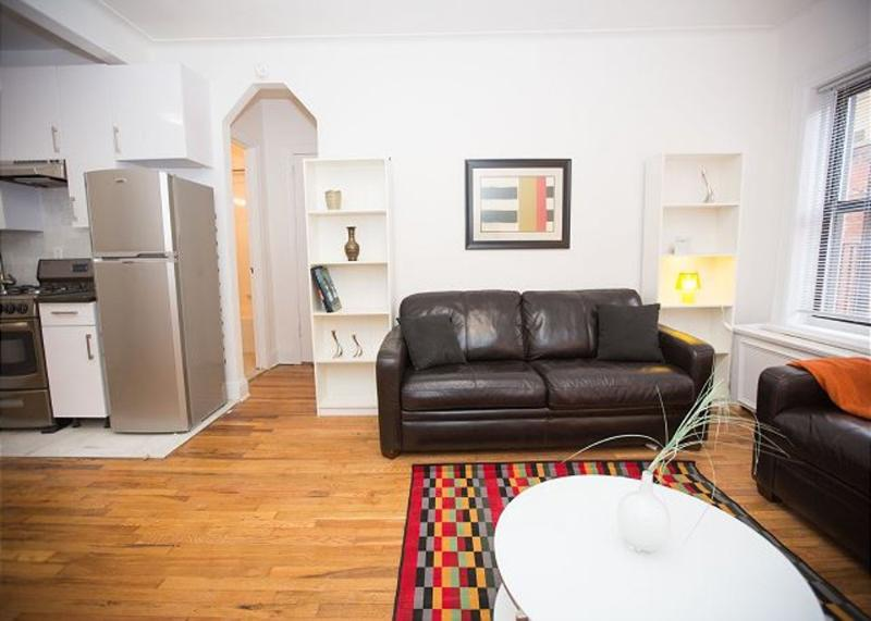 CHARMING, CLEAN AND SPACIOUS 1 BEDROOM, 1 BATHROOM APARTMENT - Image 1 - New York City - rentals