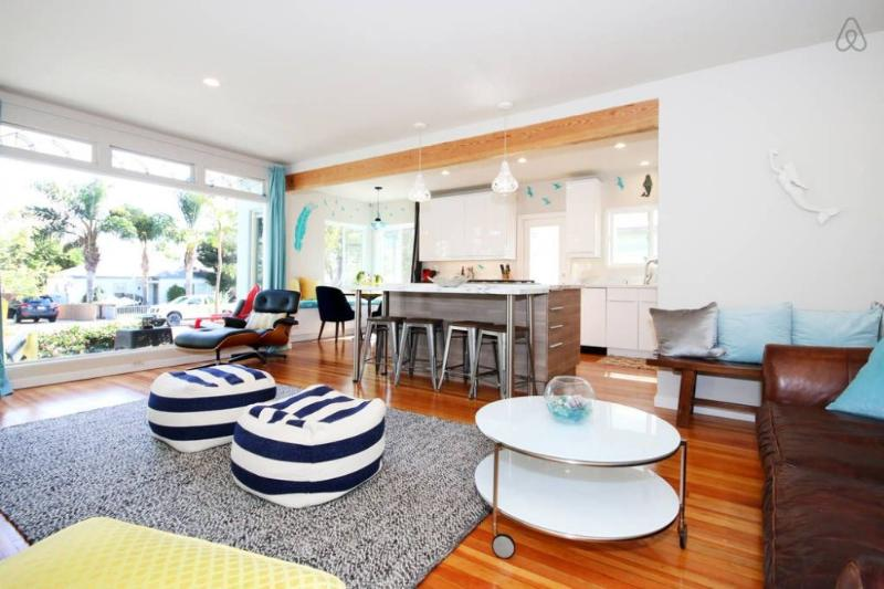 Blocks from Beaches, Mission Bay, & Seaworld ! Enjoy Modern Pacific Beach Style - Image 1 - San Diego - rentals