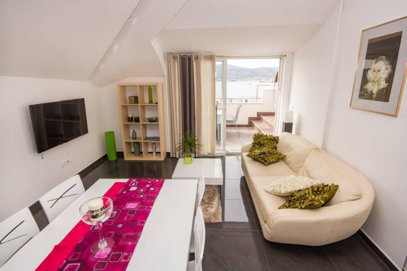 Luxury apartment with beautiful sea view - Image 1 - Okrug Gornji - rentals