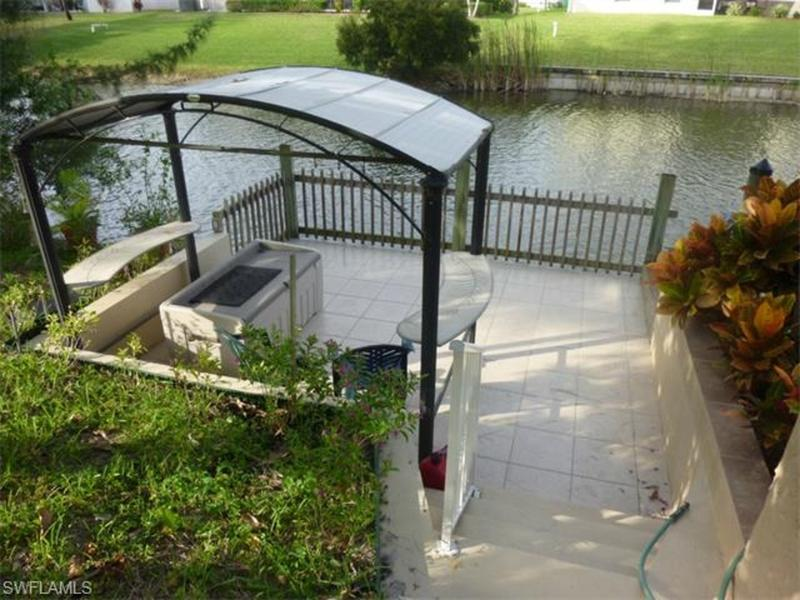 Affordable Waterfront Luxury - pool, boardwalk - Image 1 - Cape Coral - rentals