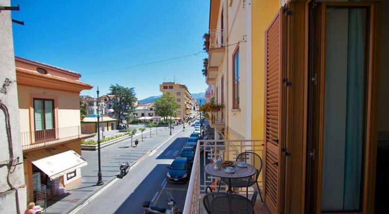 01 Del Corso balcony on the main road - DEL CORSO Sorrento - Sorrento area - Sorrento - rentals