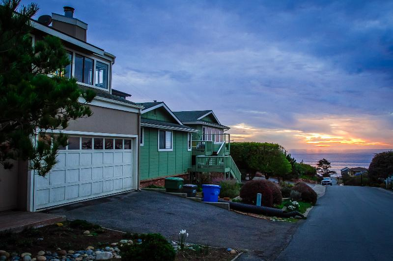 Sunset in Cambria... - The Cambria Beach House - Relax, Unwind, Refresh! - Cambria - rentals