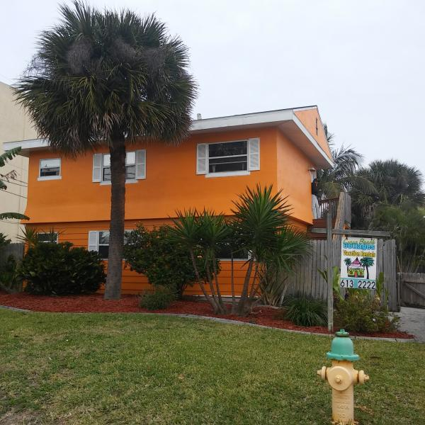 Front of Cocoa Beach Cottage - Cocoa Beach Vacation Rental Cocoa Beach Cottage - Cocoa Beach - rentals
