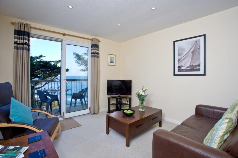 14 Mount Brioni located in Seaton, Cornwall - Image 1 - Looe - rentals