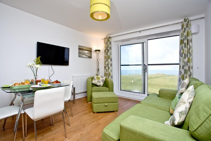 17 Astor Court located in Newquay, Cornwall - Image 1 - Newquay - rentals