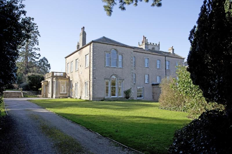 Middleham House located in Middleham, North Yorkshire - Image 1 - Middleham - rentals