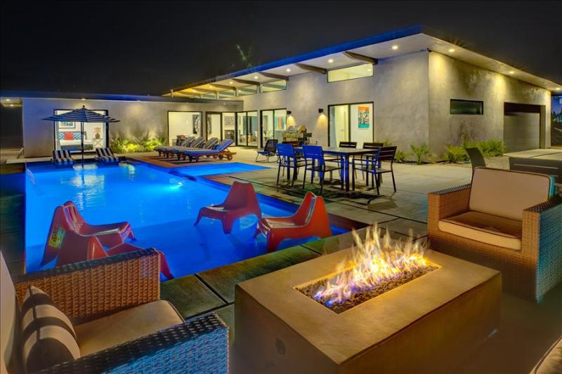Just Built Modern Dream Home: All En Suite Baths at Your Private 5 Bedroom Resort - Image 1 - Palm Springs - rentals