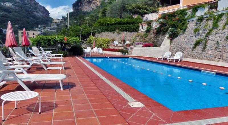 01 Violetta shared pool area - VIOLETTA Ravello/Atrani - Amalfi Coast - Atrani - rentals