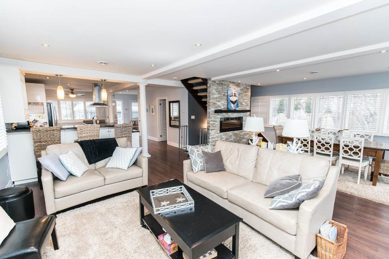 Niagara Lakefront Luxury Estate - Image 1 - Niagara-on-the-Lake - rentals