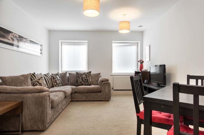 A light and airy one bed flat in Stockwell, South West London. - Image 1 - London - rentals