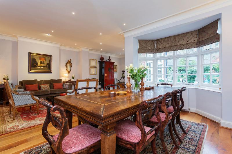 An exceptional four-bedroom house in the heart of Chelsea. - Image 1 - London - rentals