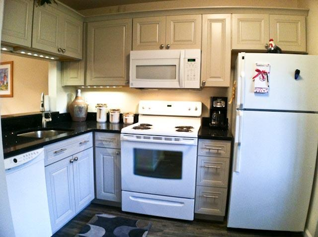 Kitchen - Ocean Edge Street Level:  2 Bedrooms with A/C & pool access - EA0527 - Brewster - rentals