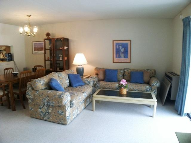 Living area - Ocean Edge - Straight Staircase, sleeps 6 with A/C & Pool passes (fees apply) - BI0579 - Brewster - rentals