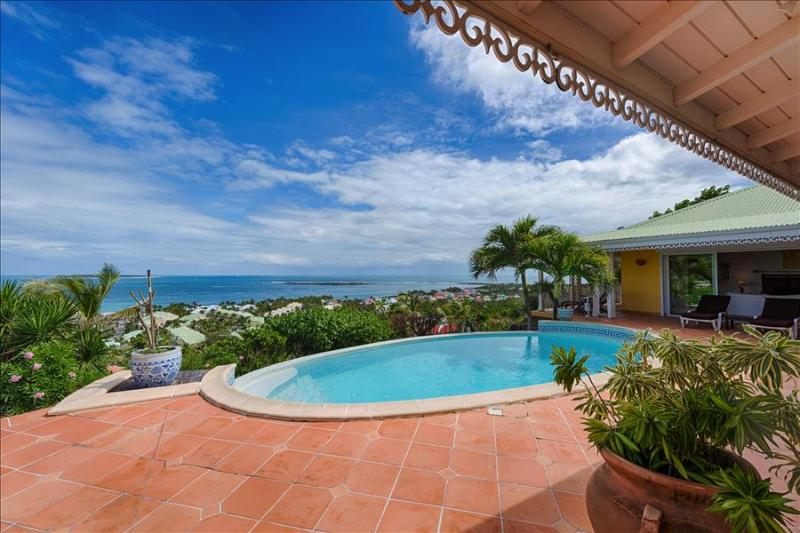 Superb newly renovated villa with breathtaking views of ocean - Image 1 - Orient Bay - rentals