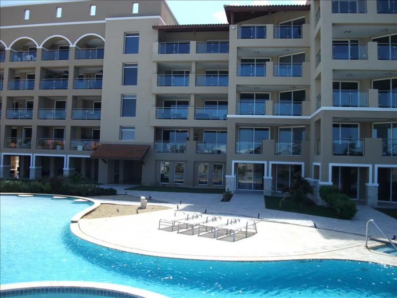 Beautiful 2 bedroom condo with large balcony and ocean views. - Image 1 - Aruba - rentals