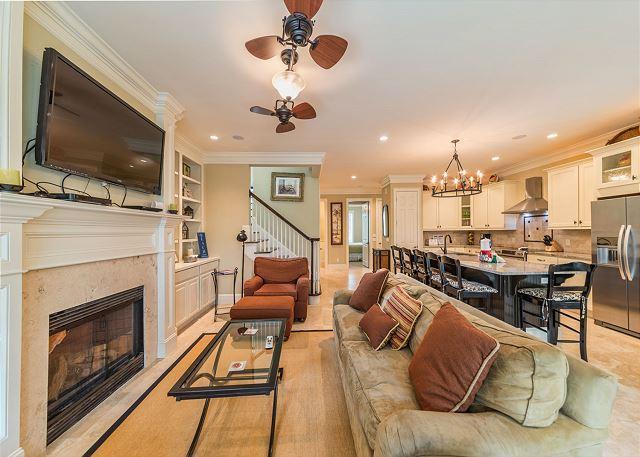 Living Room - Corine Lane 13, Deluxe 6 Bedrooms, Private Pool, Sleeps 16 - Palmetto Dunes - rentals