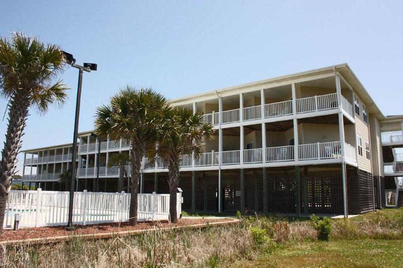 Best Lil Shore House - Image 1 - Oak Island - rentals