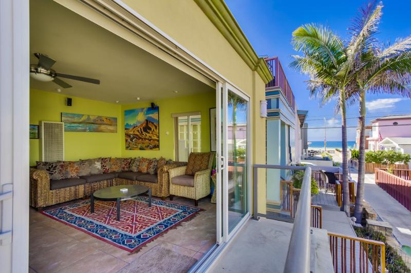 Second floor balcony - WINDEMERE - Mission Beach - rentals
