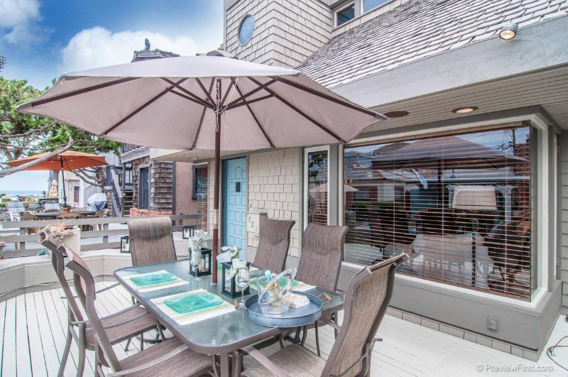 Large front deck with seating - DEVON722 - Mission Beach - rentals