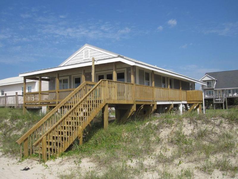 On Holiday - Image 1 - Oak Island - rentals