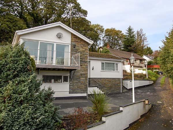 SOLACE, secluded cottage with WiFi, sun terrace, garden, close Wisemans Bridge Ref 934658 - Image 1 - Wiseman's Bridge - rentals