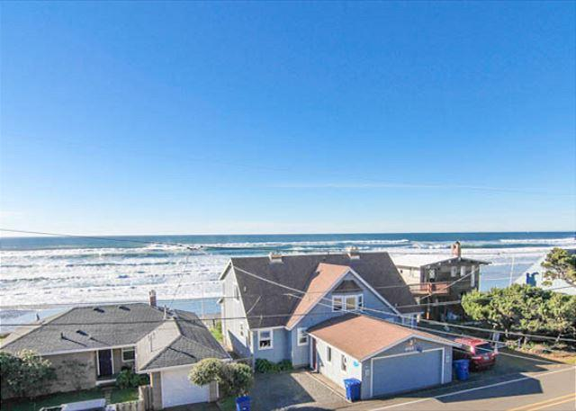 Gorgeous Modern Home with Panoramic Ocean Views & Fantastic Amenities - Image 1 - Lincoln City - rentals