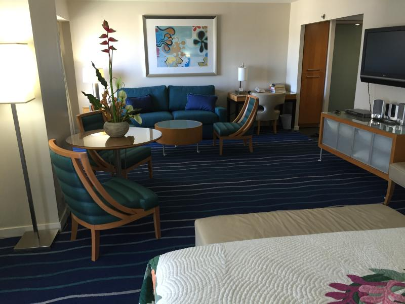 CLEAN, SAFE, AND AMPLE LIVING SPACE SUITABLE FOR UP TO FOUR GUESTS. - PERFECT SUITE IN HONOLULU HAWAII- BEST REVIEWS! - Honolulu - rentals
