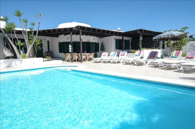 Villa LVC210211 - Image 1 - Costa Teguise - rentals