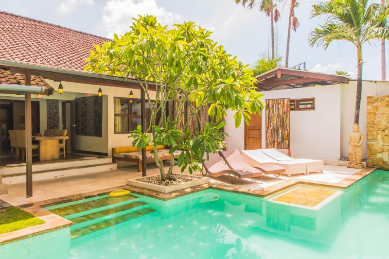 Villa Staman Asri quiet v near beach shops restos - Image 1 - Seminyak - rentals