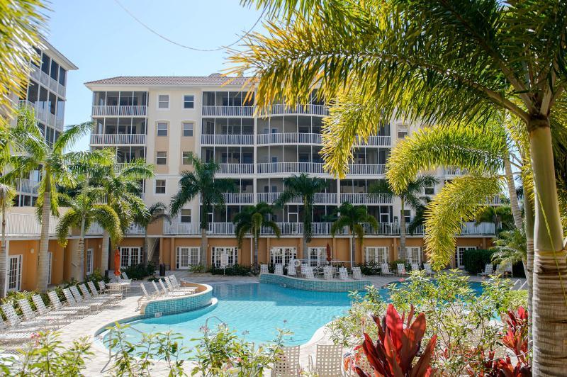 Pool - Regatta, Vanderbilt Beach - Owner Will Discount - Naples - rentals