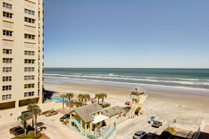 "Affordable vacation rental at ""Pirates Cove"" condo - Image 1 - Daytona Beach - rentals"