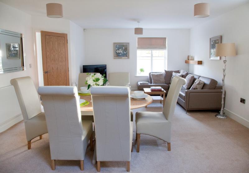 Living room - Superb 4 bedroom town house, central Harrogate - Harrogate - rentals