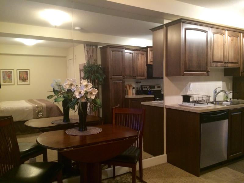 Kitchen/Dining - The Historic Address - Lethbridge - rentals