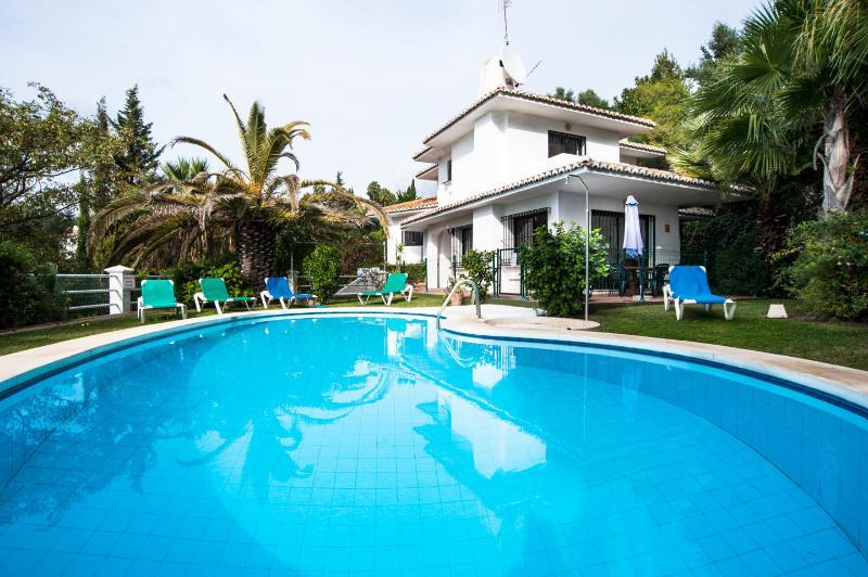 VILLA CORRIB and POOL - VILLA CORRIB, FUENGIROLA - Mijas - rentals