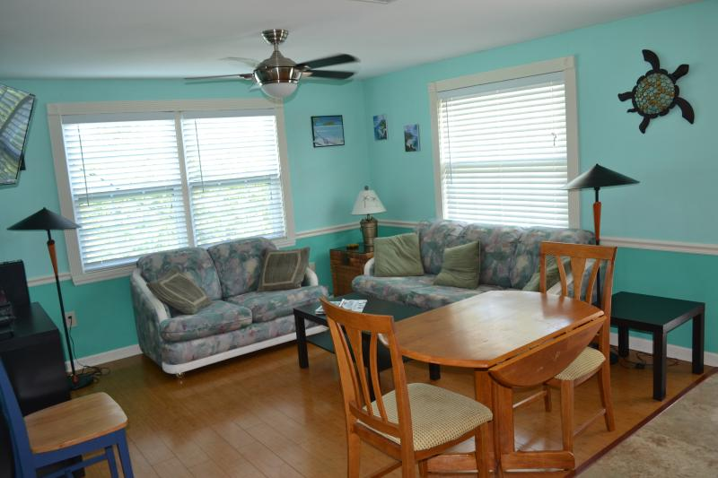 2 Bedroom Suite Living Room - Ohana Hale North  2 or 1 bedroom on Anna Maria - Holmes Beach - rentals