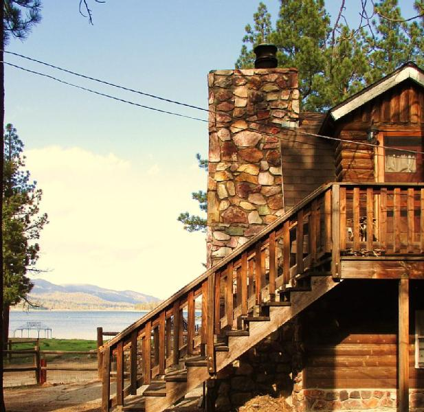 Rustic Lake House - Affordable and pet friendly (upon approval).  4br/2ba - BUDGET FRIENDLY LAKE FRONT  175p/n POOL TABLE/WIFI - Big Bear Lake - rentals