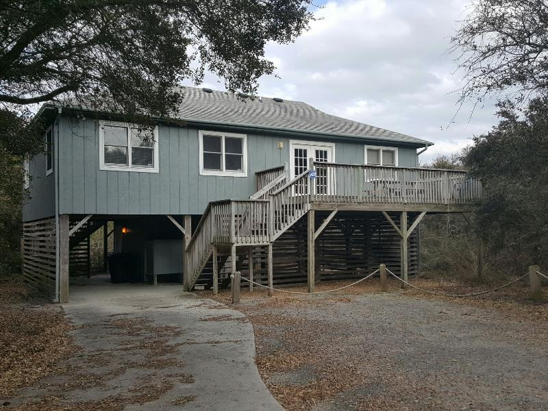 House located on private 1 way street. - Beach Cottage - 4 bedroom 2 bath - Just Right - Kitty Hawk - rentals