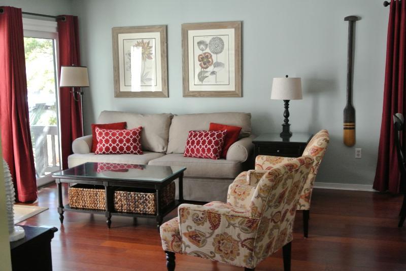 Livingroom - Lagoon Front, Palmetto Dunes, 5 min walk to beach - Hilton Head - rentals
