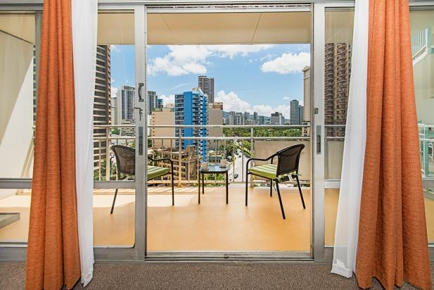 Ilikai Hotel Condo with City View and Full Kitchen - Image 1 - Honolulu - rentals