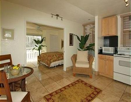Royal Moana 1BR, Short Walk to Beaches & Fun! - Image 1 - Honolulu - rentals