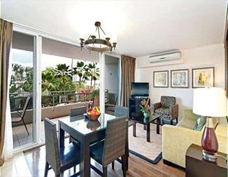 Contemporary Designer End Unit Condo by the Beach - Image 1 - Honolulu - rentals