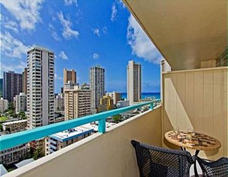 Ocean View Penthouse Studio by the Beach w/ Lanai - Image 1 - Honolulu - rentals