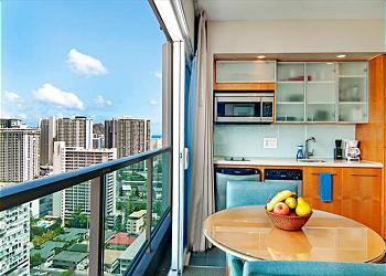 Ala Moana Hotel Suite with Gorgeous views! - Image 1 - Honolulu - rentals